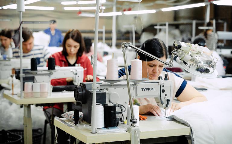 Завернуть бренд в пуховый платок и научиться маркетингу: 7 экспертных советов для оренбургской фабрики одежды