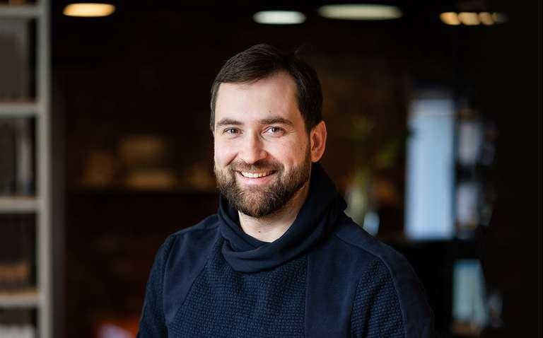 Как выйти из операционки без потерь для бизнеса: личный опыт основателя онлайн-магазина Madrobots
